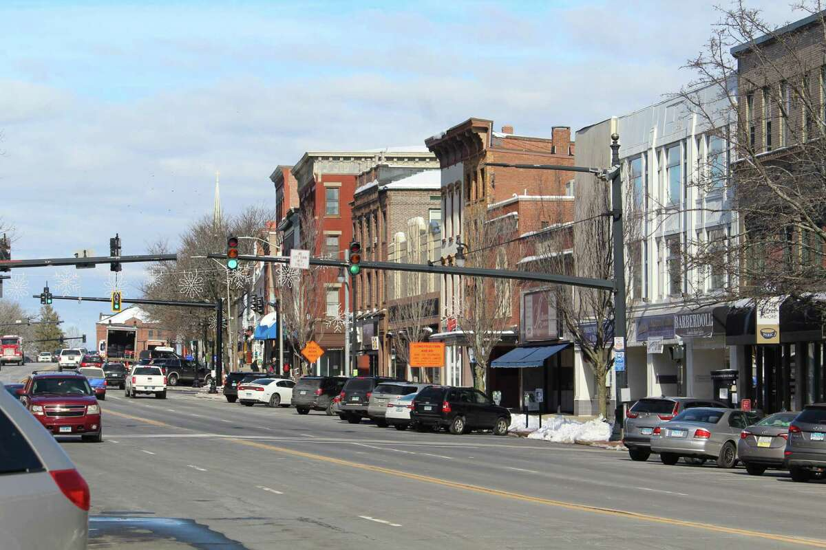 The Downtown Business District encompasses 200 businesses along Main Street located on seven blocks south of Washington Street/Route 66 in Middletown.