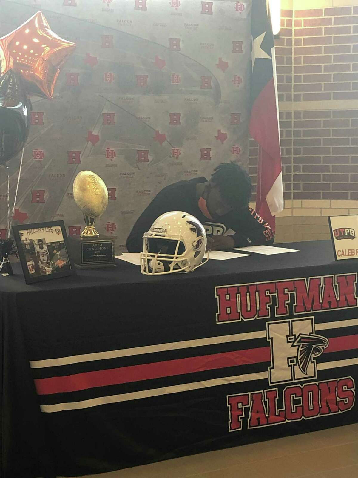Hargrave's Caleb Pierson signed to play football at the University of Texas-Permian Basin.