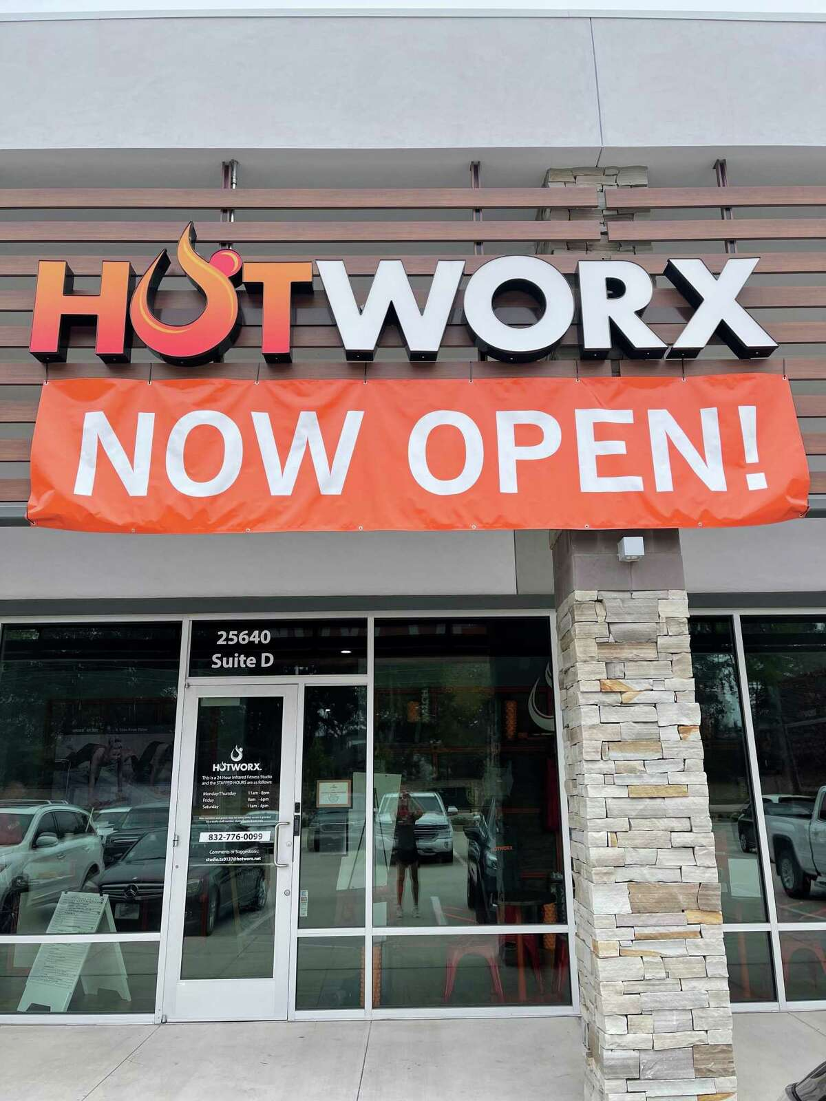 A new location of the Hotworx infrared sauna gym has opened in The Woodlands. The new emerging fitness trend features small saunas with workout gear inside such as exer-bikes, weights and other features. The heat helps with weight loss, circulation and other health issues, officials said. The gym offers pre-paid monthly or full year memberships, a payment plan based membership and three trial options for one-day, four days and eight days of workouts.