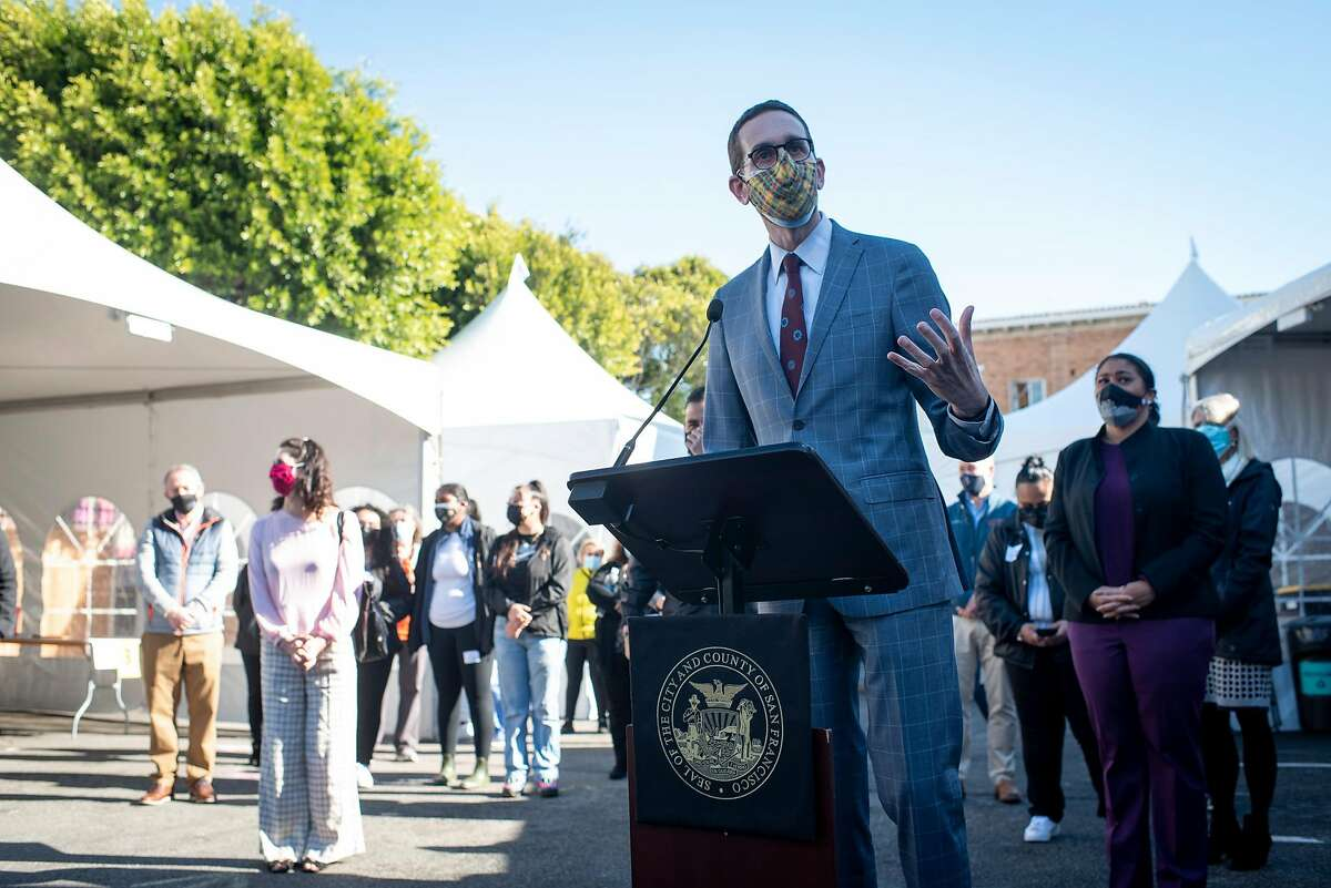Senator Scott Wiener, speaking at a neighborhood vaccination site in the Mission on Feb. 1, has introduced legislation that would ease restrictions on alcohol sales for bars, restaurants and music venues.