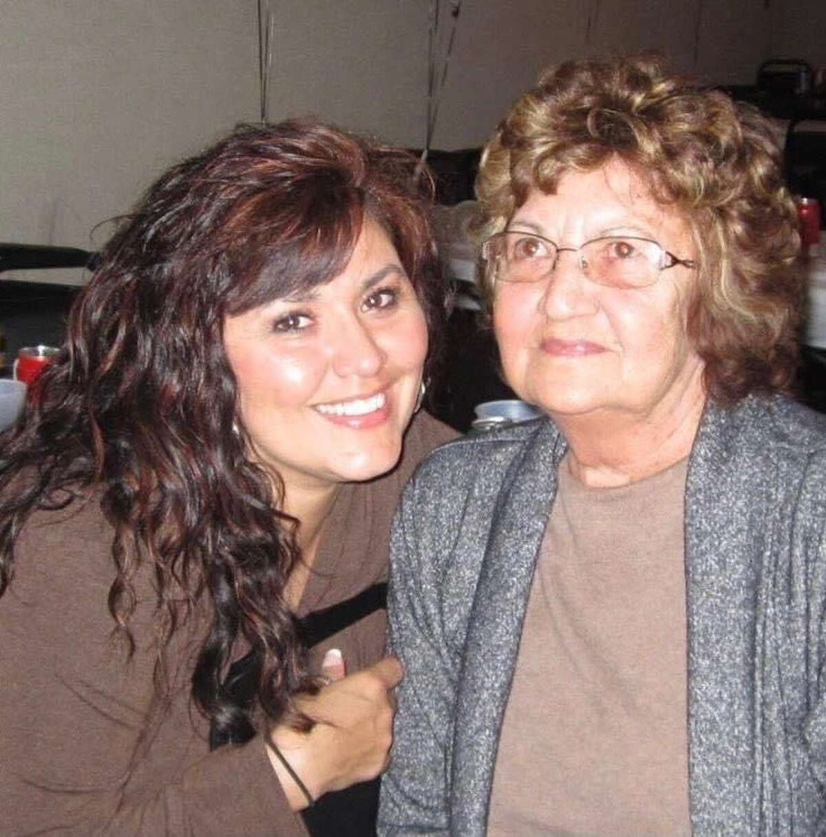 Shara Fisher and her mother, Evelyn Tarango.