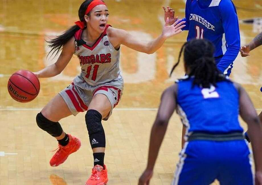 SIUE guard Mikia Keith shouts out for help while running the offense during Thursday's home game against Tennessee State inside First Community Arena. Photo: SIUE Athletics