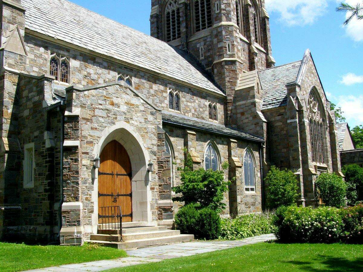 St. Michael's Episcopal Church will offer a special event of romantic and other Valentine-related music, 3 p.m. Feb. 14 on the side lawn of the church, overlooking South Street.