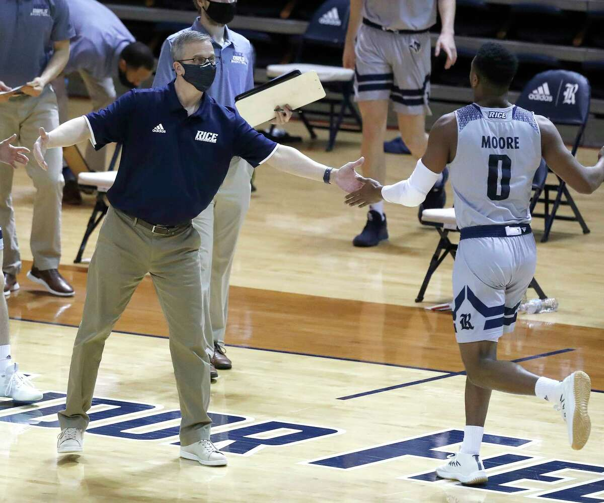 Rice Owls head coach Scott Pera during the first half of an NCAA men's basketball game at Tudor Field House in Houston, Friday, Feb. 5.