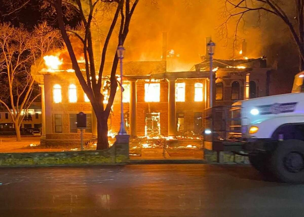 Last Thursday, a massive fire to a 111-year-old courthouse left a Texas community devastated. Mason County residents are rallying together to rebuild the courthouse by setting up a GoFundMe page.