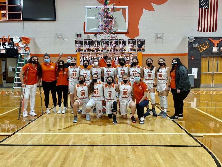 United rallied for a 67-56 win at home over rival Alexander on Friday to claim a share of a third straight district title. Photo: Clara Sandoval /Laredo Morning Times