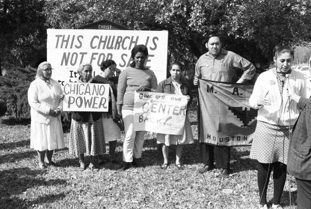 Yolanda Garza Birdwell (far right) and Poncho Ruiz (right), at a press conference to protest eviction of MAYO from Juan Marcos Presbyterian Church, February 26, 1970. Houston Post photographs RGD006N-1970-0928-043, Houston Public Library, HMRC. Via Apostles of Change © 2021 University of Texas Press