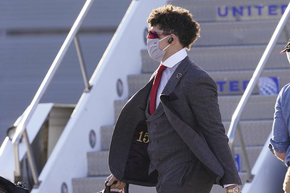 Patrick Mahomes and the Chiefs arrive Saturday in Tampa, Fla., for Super Bowl LV against the Tampa Bay Buccaneers.