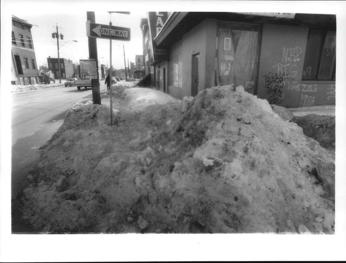 Snow scenes; Albany; Uncleared sidewalks on Henry Johnson Blvd. at corner of Third Street. February 13, 1995 (Jack Madigan/Times Union Archive)