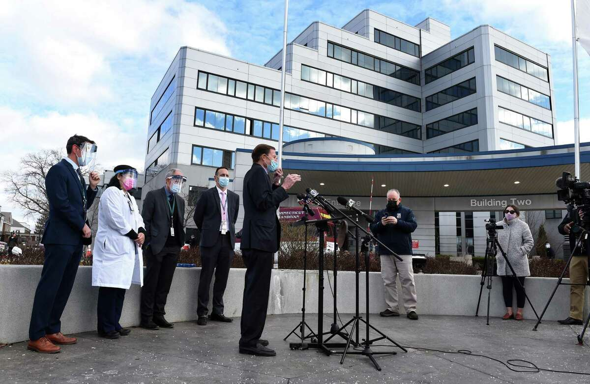U.S. Senator Richard Blumenthal (center) speaks at a press conference announcing the start of COVID-19 vaccinations for veteran outpatients at the VA Connecticut Healthcare, West Haven Campus, on January 5, 2021.
