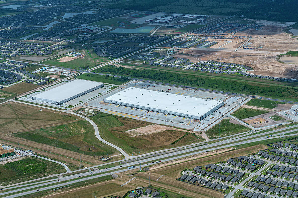 Duke Realty developed a 805,601-square-foot sort center at 22525 Clay Road in Katy for Amazon. The facility serves as a sorting station for packages before transferring them to a delivery station.