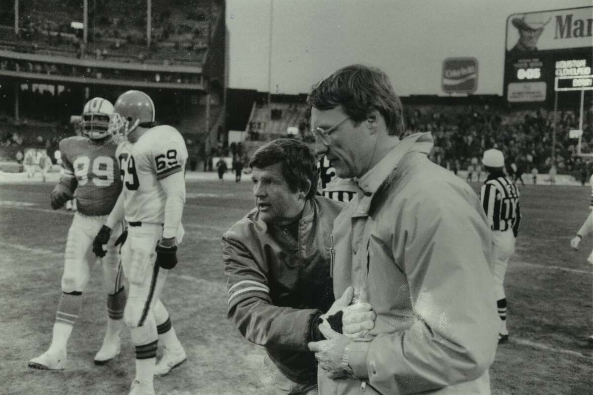 Marty Schottenheimer (right), who died Monday, and former Oilers coach Jerry Glanville were part of a memorable coaching quartet in the AFC South during the late 1980s.
