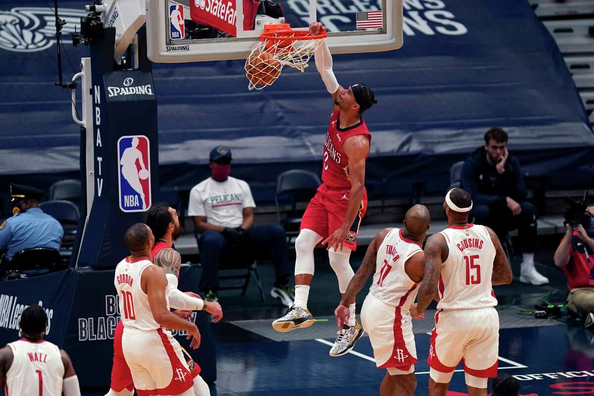 This Josh Hart dunk was part of the Pelicans' 60 points in the paint that overwhelmed the Rockets during Tuesday's blowout loss in New Orleans.