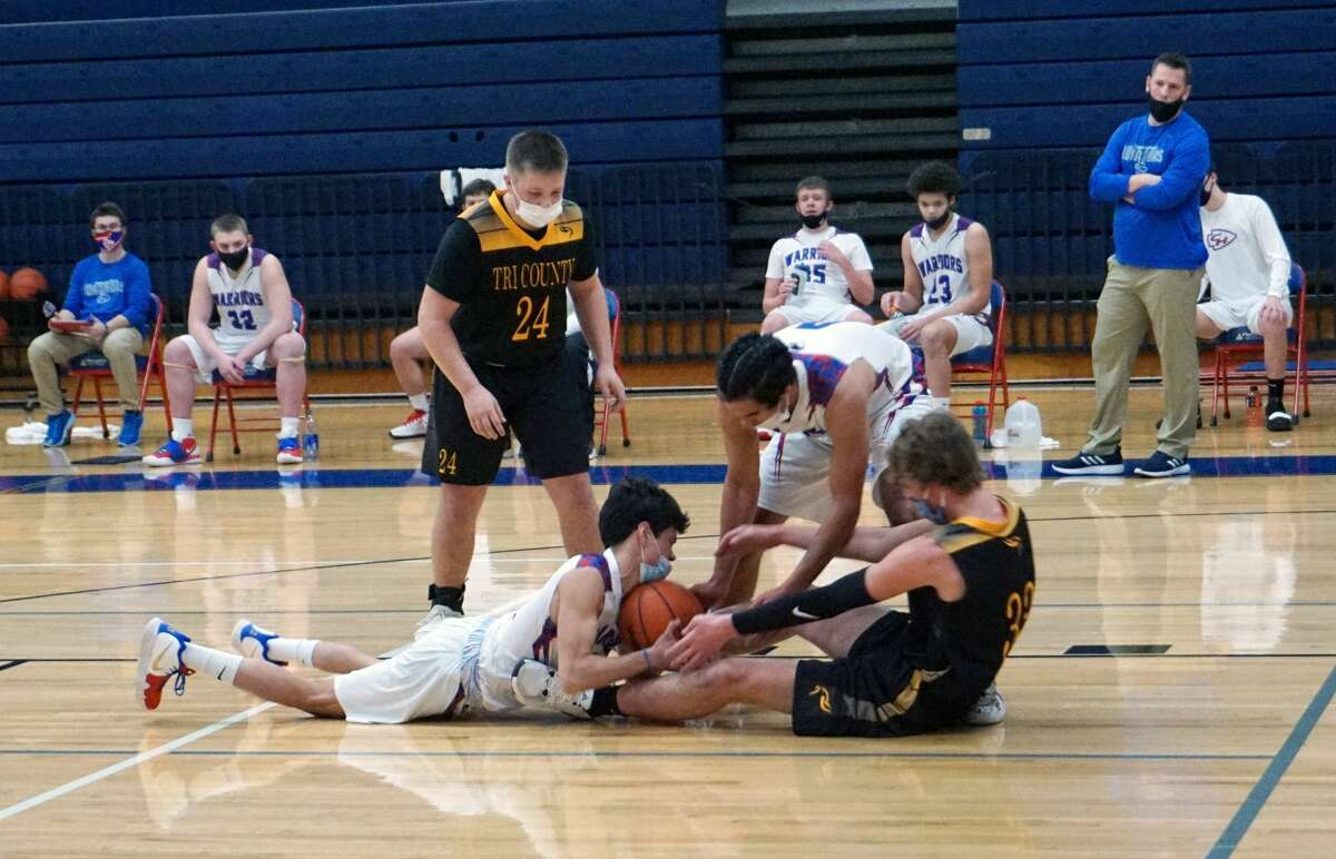 The Chippewa Hills Warriors and Tri County Vikings opened the 2021 basketball season on Tuesday night. Tri County won 63-40.