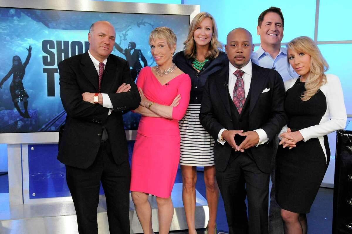 CORRECTS THAT LARA SPENCER IS GOOD MORNING AMERICA CO-HOST AND NOT A SHARK TANK MOGUL - In this undated photo provided by ABC, Good Morning America co-host Lara Spencer, third left, poses with