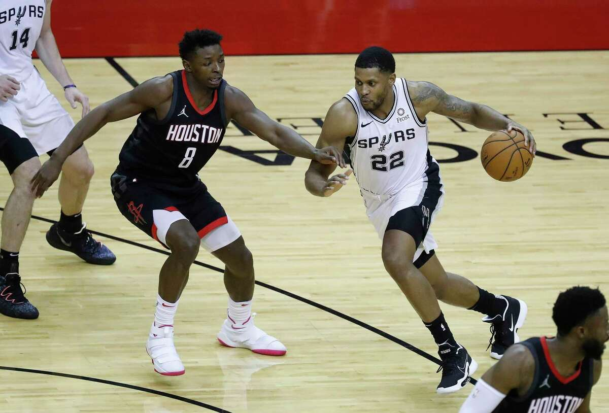 The Rockets' three-game losing streak started when Rudy Gay and San Antonio ran past them in Houston.