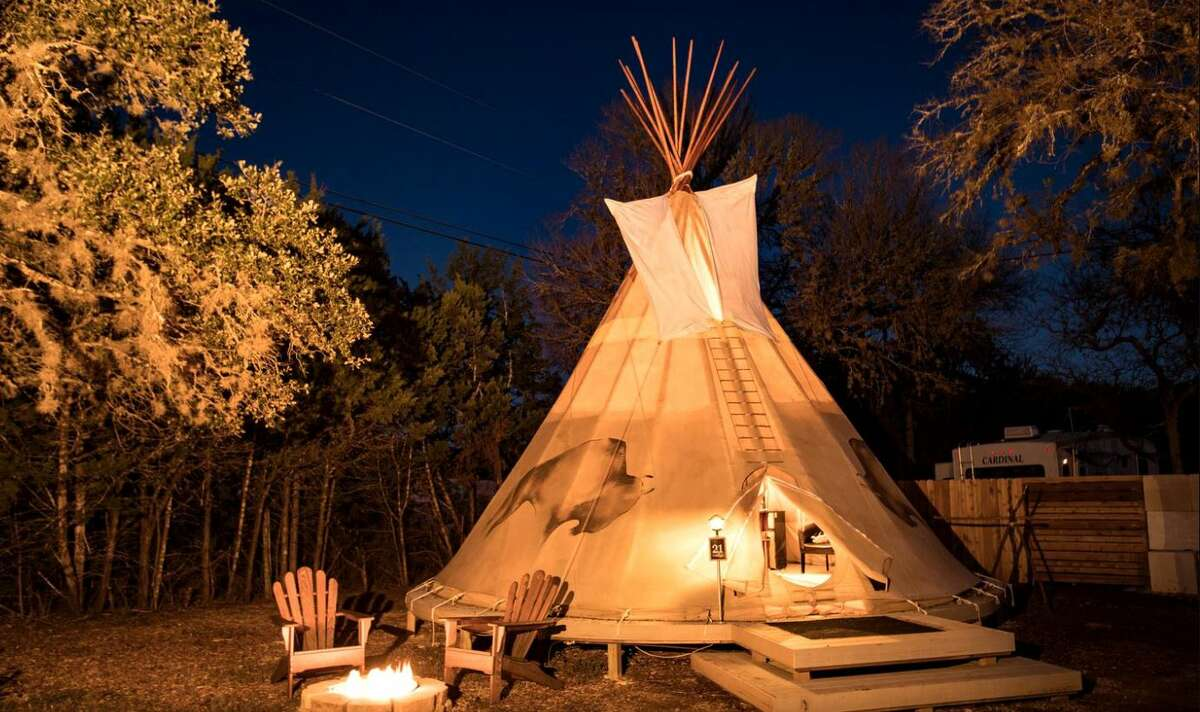 Romantic tipi: 3 hours and 30 minutes from Houston.