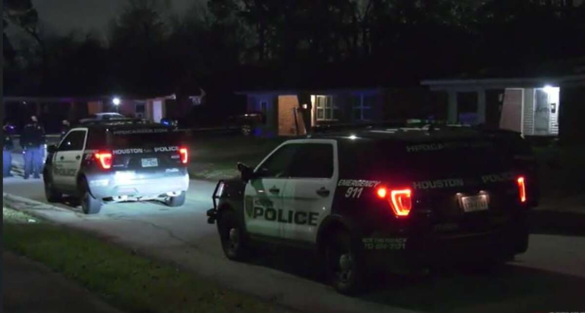 HPD investigating a homicide on the 300 block of E. Delz Drive in Independence Heights Wednesday night.