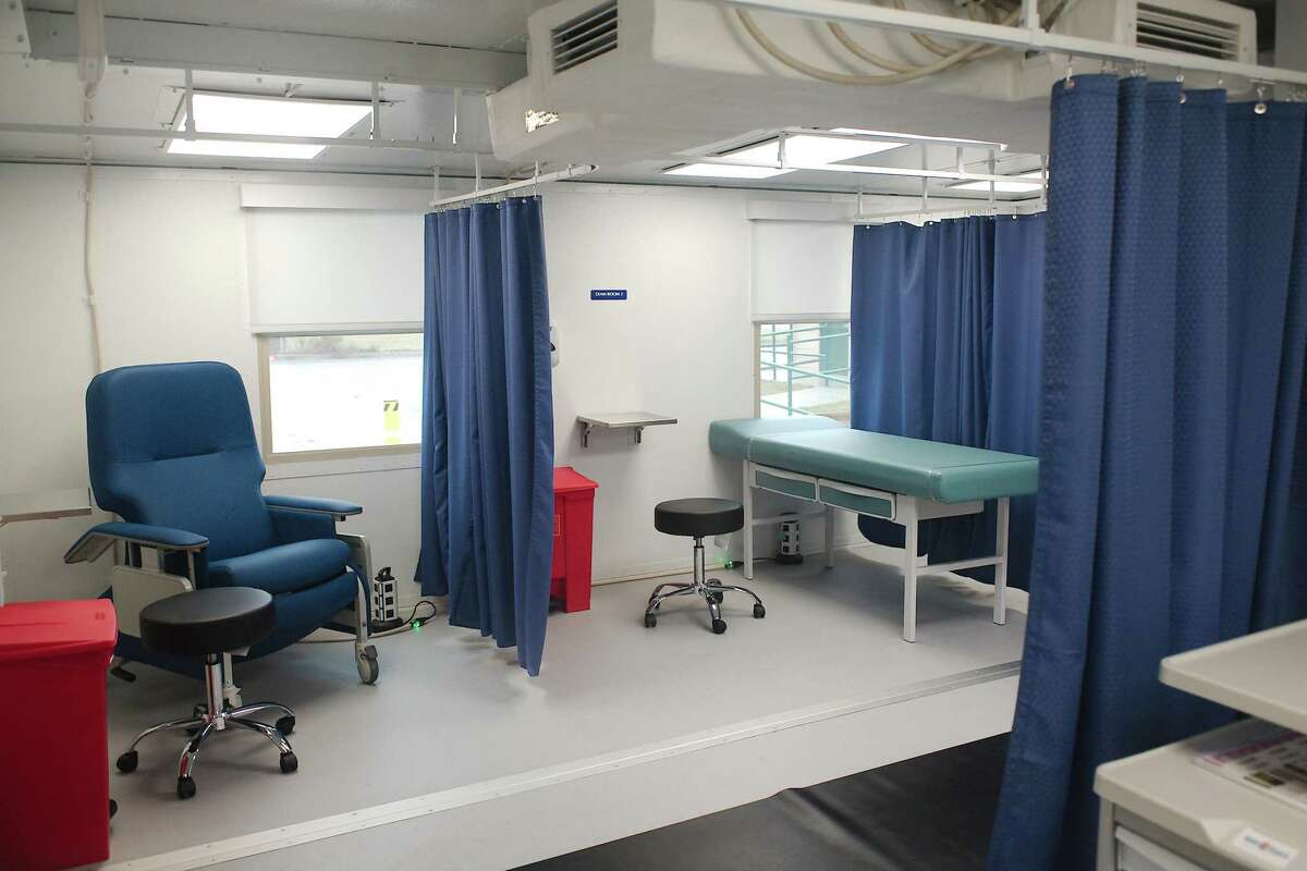 The SmartPod can serve as a primary care clinic, surgery center, hospital, or laboratory facility.