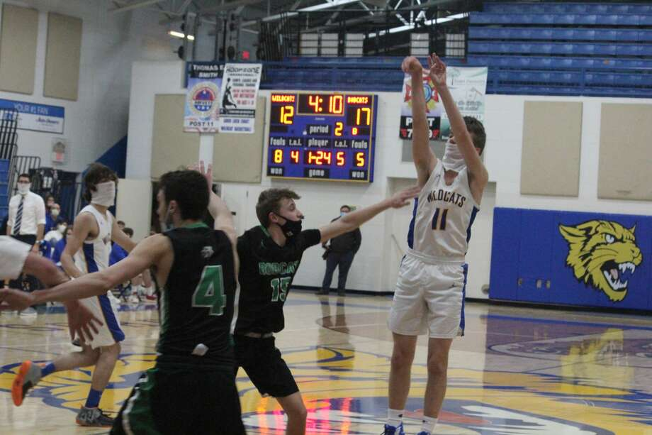 Houghton Lake was too much for Evart on Thursday in a 62-52 Highland Conference boys basketball win. Photo: John Raffel
