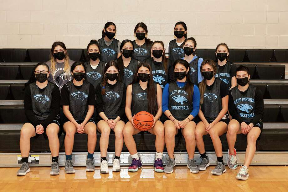 The United South High School girls basketball team gathers for a photo during a practice, Wednesday, Feb. 10, 2021 at United South High School. Photo: Danny Zaragoza, Staff Photographer / Laredo Morning Times