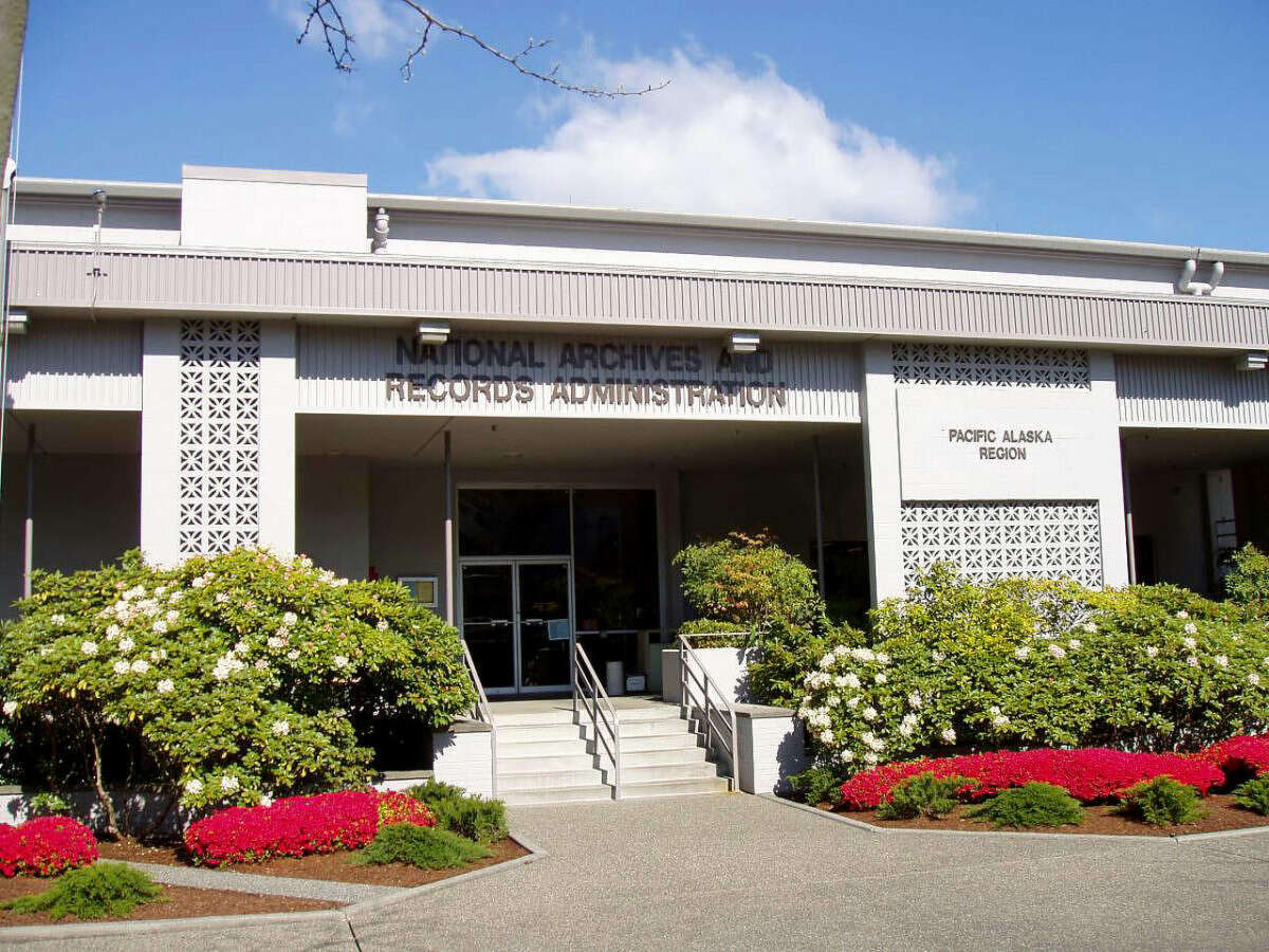 Federal judge blocks sale of Seattle's National Archives