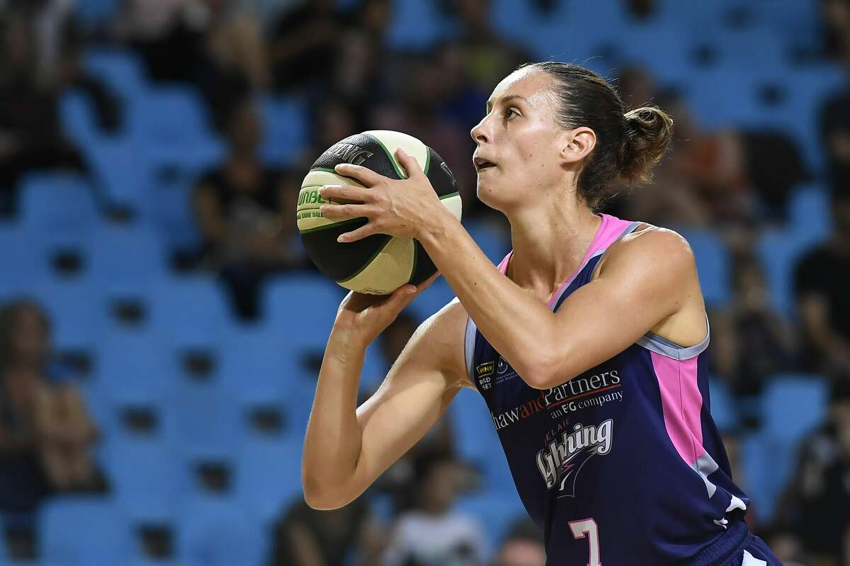 CAIRNS, AUSTRALIA - DECEMBER 11: Stephanie Talbot of the Lightning shoots during the round five WNBL match between the Townsville Fire and the Adelaide Lightning at Cairns Pop Up Arena, on December 11, 2020, in Cairns, Australia. (Photo by Albert Perez/Getty Images)
