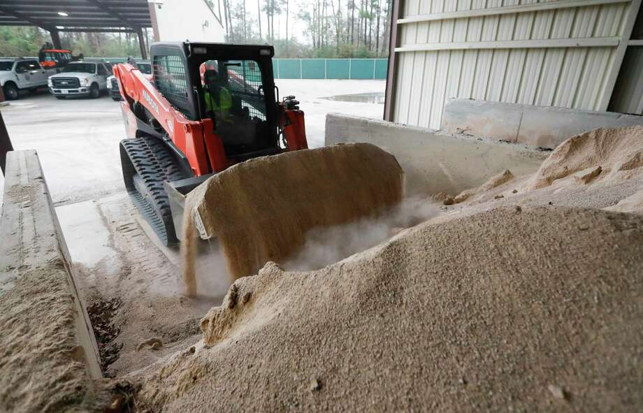 Montgomery County Precinct 3's office will have several sand trucks adding traction for potentially icy roadways early next week. Photo: Jason Fochtman, Houston Chronicle / Staff Photographer / 2021 © Houston Chronicle