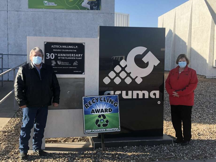 Azteca Milling (pictured: Raul Gonzales and Lana Box), Recycling Photo: Hagen Pate/Keep Plainview Beautiful/4-H