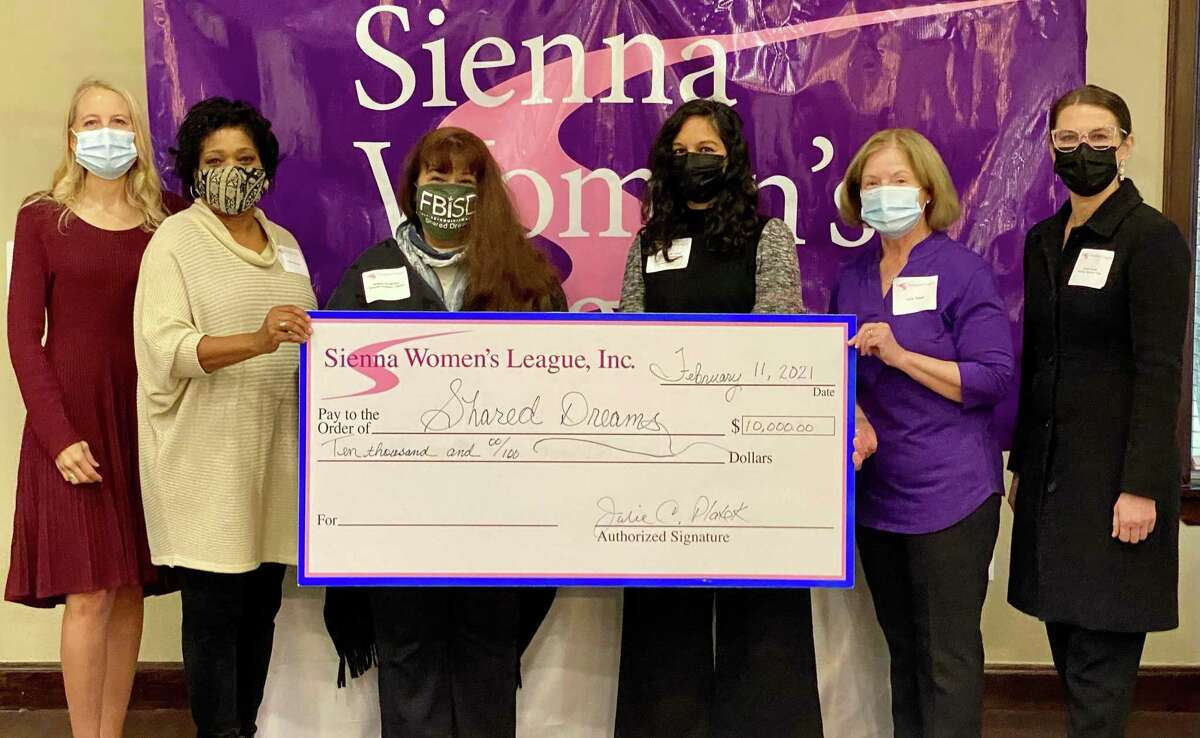 Pictured here are Viki Deardorff, SWL Community Service Chair; Wyn Johnson, SWL Co-Founder; Bobbie Anderson, Community Engagement Liaison, FBISD Shared Dreams; Payal Pandit Talati, Executive Director, FBISD Collaborative Communities; Julie Platek, SWL President; and Nicole Goulet, Fidelity National Title-Sugar Land.