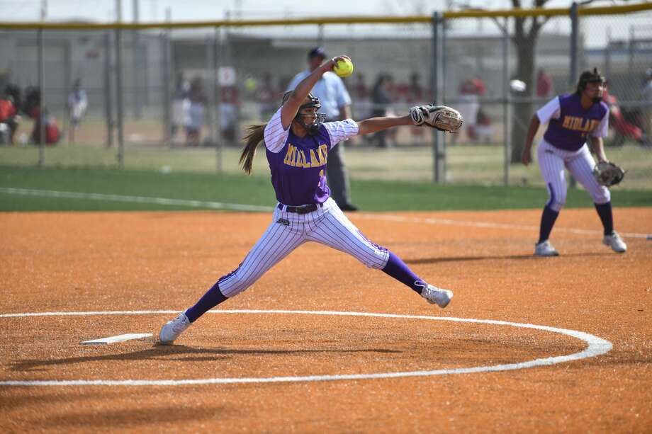 Midland High's Makenah Dutchover pitches the ball Saturday, Feb. 29, 2020 on Field 7 at the Freddie Ezell Softball Complex. Jacy Lewis/Reporter-Telegram Photo: Jacy Lewis/Reporter-Telegram