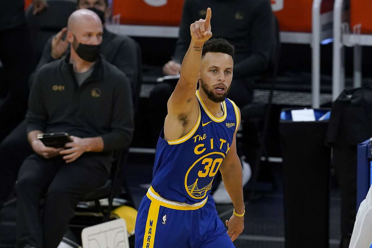 Stephen Curry is averaging 35.3 points on 56.8% shooting from the floor and 52.5% on 3-pointers in his last eight games.
