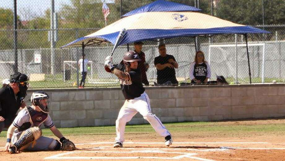 Andrew Holsey and TAMIU fell 6-2 in their home opener Friday against No. 10 UT Tyler. Photo: Courtesy /TAMIU Athletics
