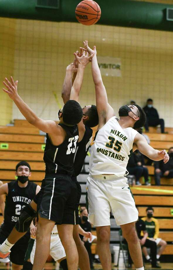 Nixon's Bryan Garcia scored eight points as the Mustangs defeated United South 56-55 on Friday. Photo: Danny Zaragoza / Laredo Morning Times