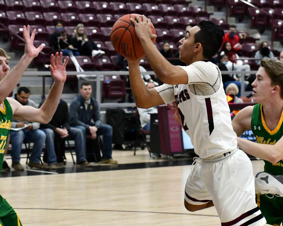 The 22nd-ranked Abernathy boys basketball team closed the regular season on Friday night with a 62-46 win over Idalou.