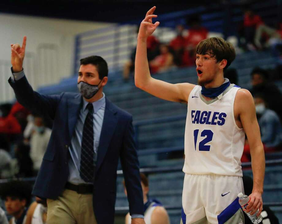 Sam Brandon, shown here during a previous game, scored 12 points for New Caney on Saturday during a playoff-clinching victory over Montgomery. Photo: Jason Fochtman, Houston Chronicle / Staff Photographer / 2021 © Houston Chronicle