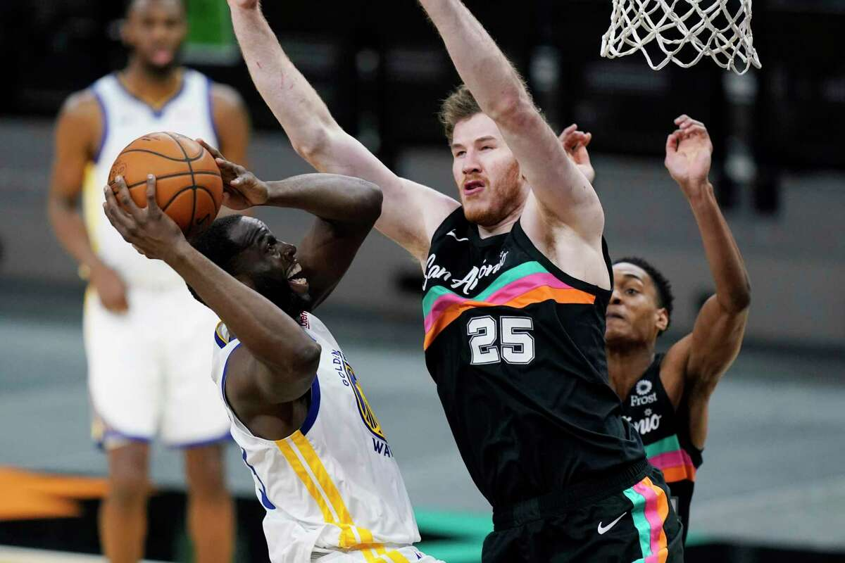Spurs big man Jakob Poeltl, right, leads the team with 37 blocks this season, averaging a career-high 1.4 a game.