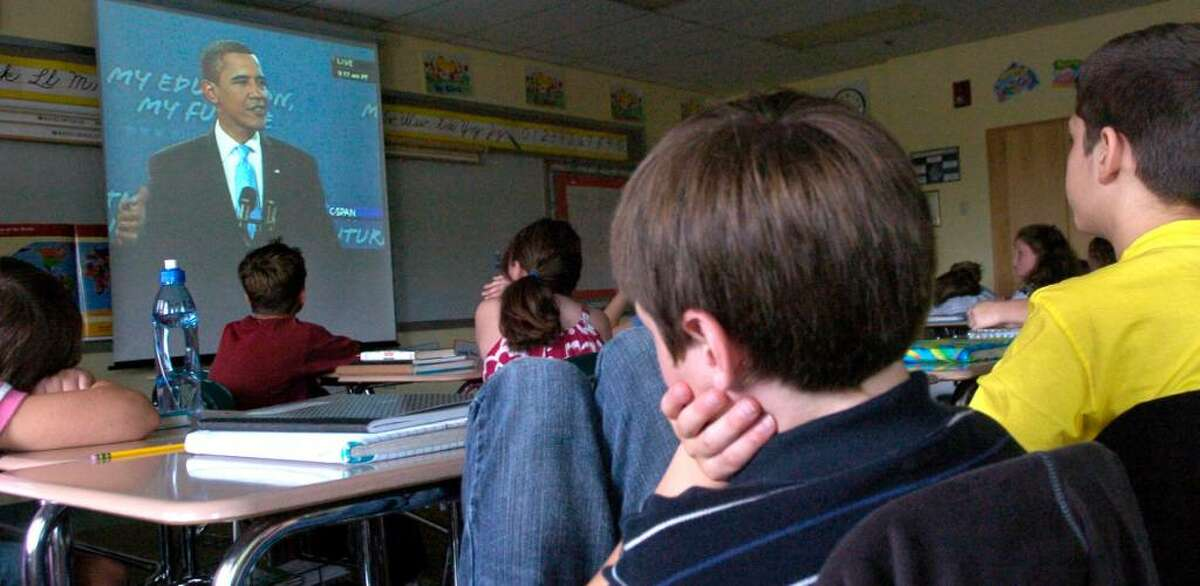 Fifth graders at Reed Intermediate School in Newtown listen to President Barack Obama's speech to school children Tuesday, Sept. 8 2009.