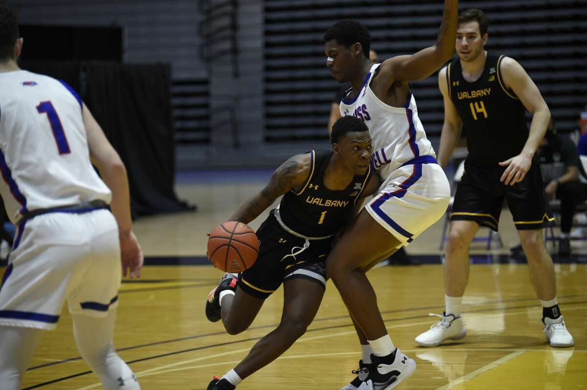 UAlbany and UMass-Lowell split a pair of weekend games at SEFCU Arena and are tied for fifth in the America East standings. (Kathleen Helman/UAlbany athletics)