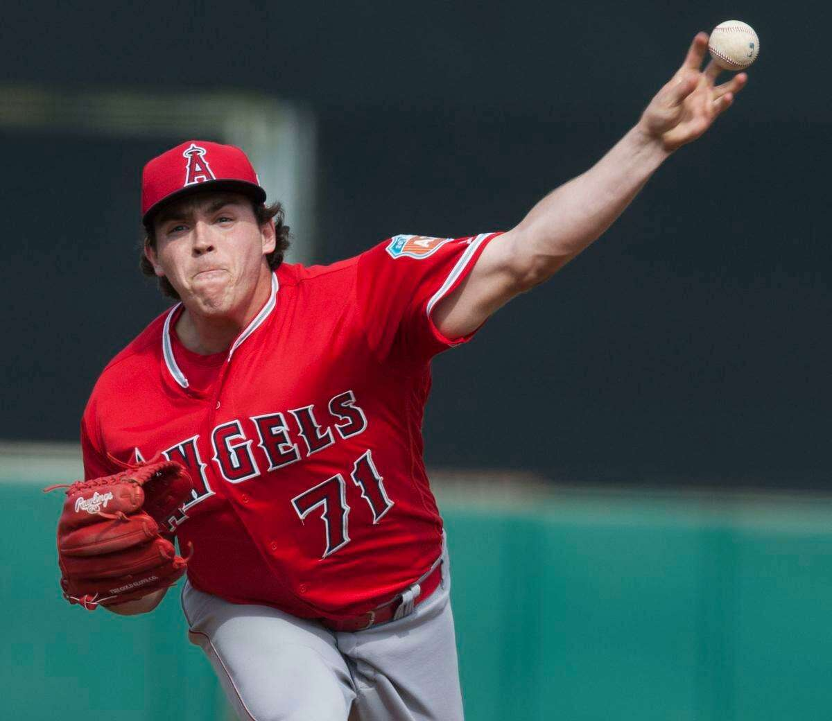 The Tecolotes Dos Laredos acquired pitcher Greg Mahle last Friday.