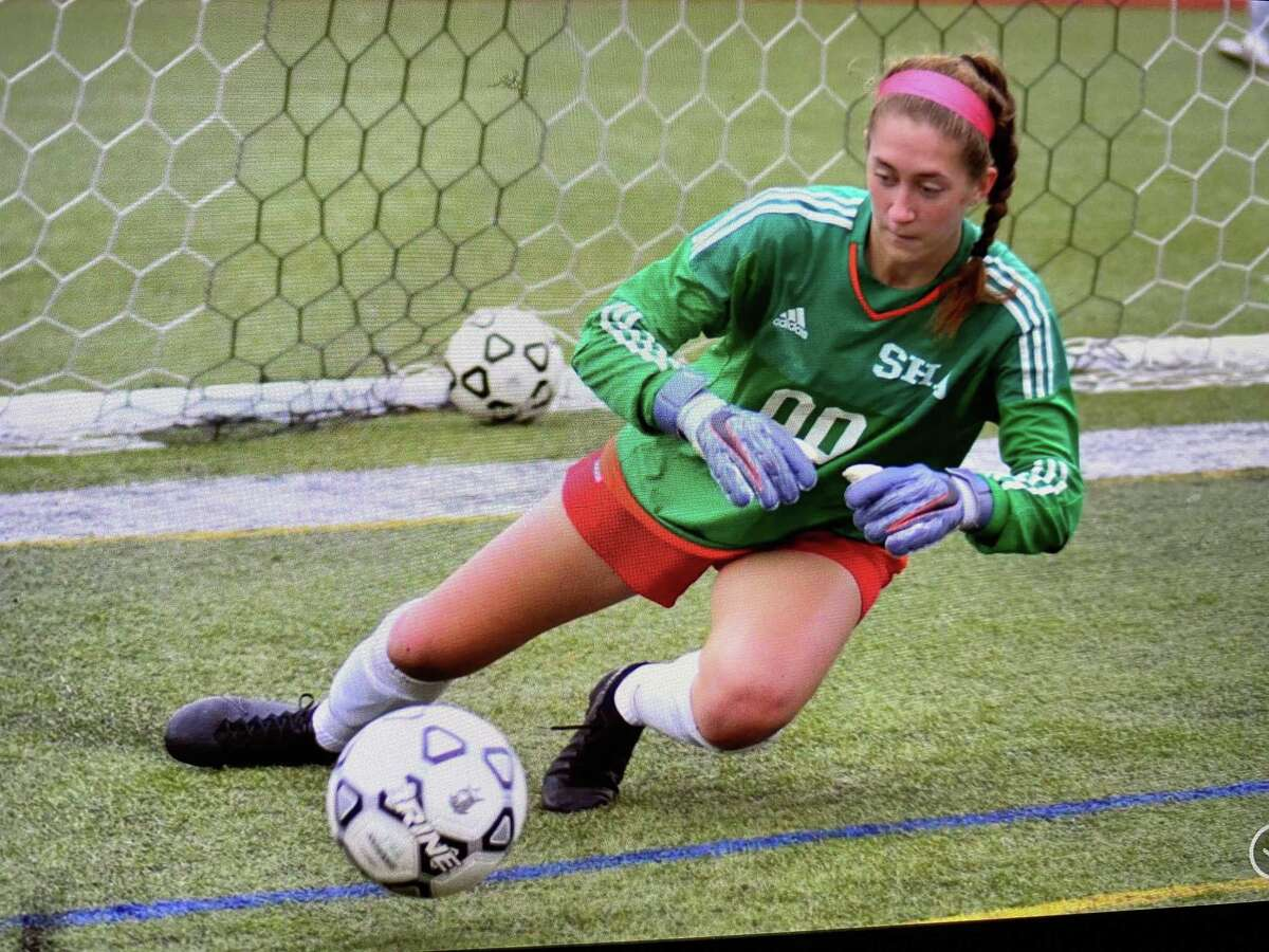 Kyla King of Hamden has verbally committed to play soccer at Fordham University in 2022.