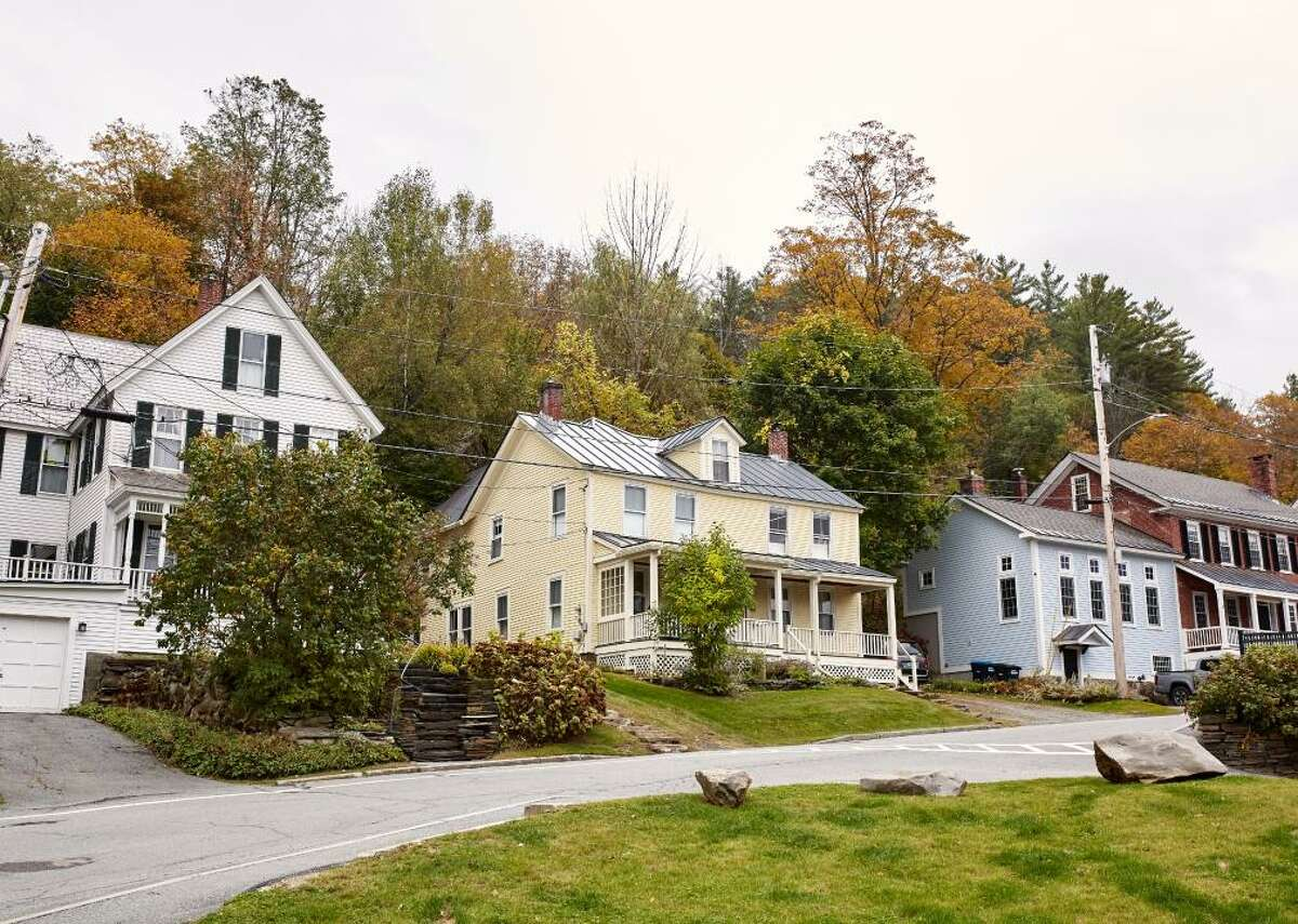 Vermont - Total housing units: 339,412 --- Occupied housing units: 262,767 (70.9% owner-occupied, 29.1% renter-occupied) --- Vacant housing units: 76,645 (1.6% homeowner vacancy rate, 4.5% rental vacancy rate) - Median rooms per house: 5.5 - Bedrooms: 4.3% no bedrooms, 11.2% one bedroom, 27.3% two bedrooms, 38.1% three bedrooms, 14.7% four bedrooms, 4.3% five bedrooms - Average household size: 2.3 - Median gross rent: $980 - Median homeowner cost: $1,606 (with mortgage), $668 (without mortgage) - Average days homes are on the market: 89 (3,570 homes currently) - Current median listing price of homes in Vermont: $259,900 (12.3% less than 2020, 1.9% greater than 2019) Some buyers are purchasing homes in Vermont before they even see them, according to realtors. Even luxury homes that used to sit on the market are sold within days now. Local buyers with pre-approval for a loan are often outbid by cash offers from out-of-state buyers who are moving to the state for a slower pace and feeling of safety.