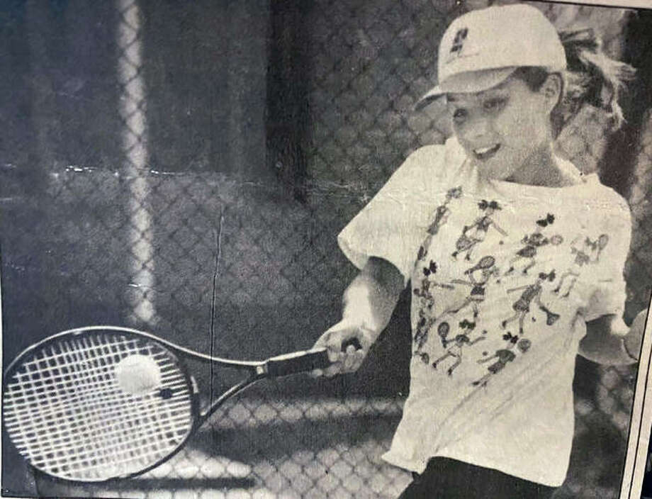 A photo of Edwardsville graduate Katie (Schmidt) Robberson from 1995, her junior season on the EHS girls tennis season. Photo: For The Intelligencer