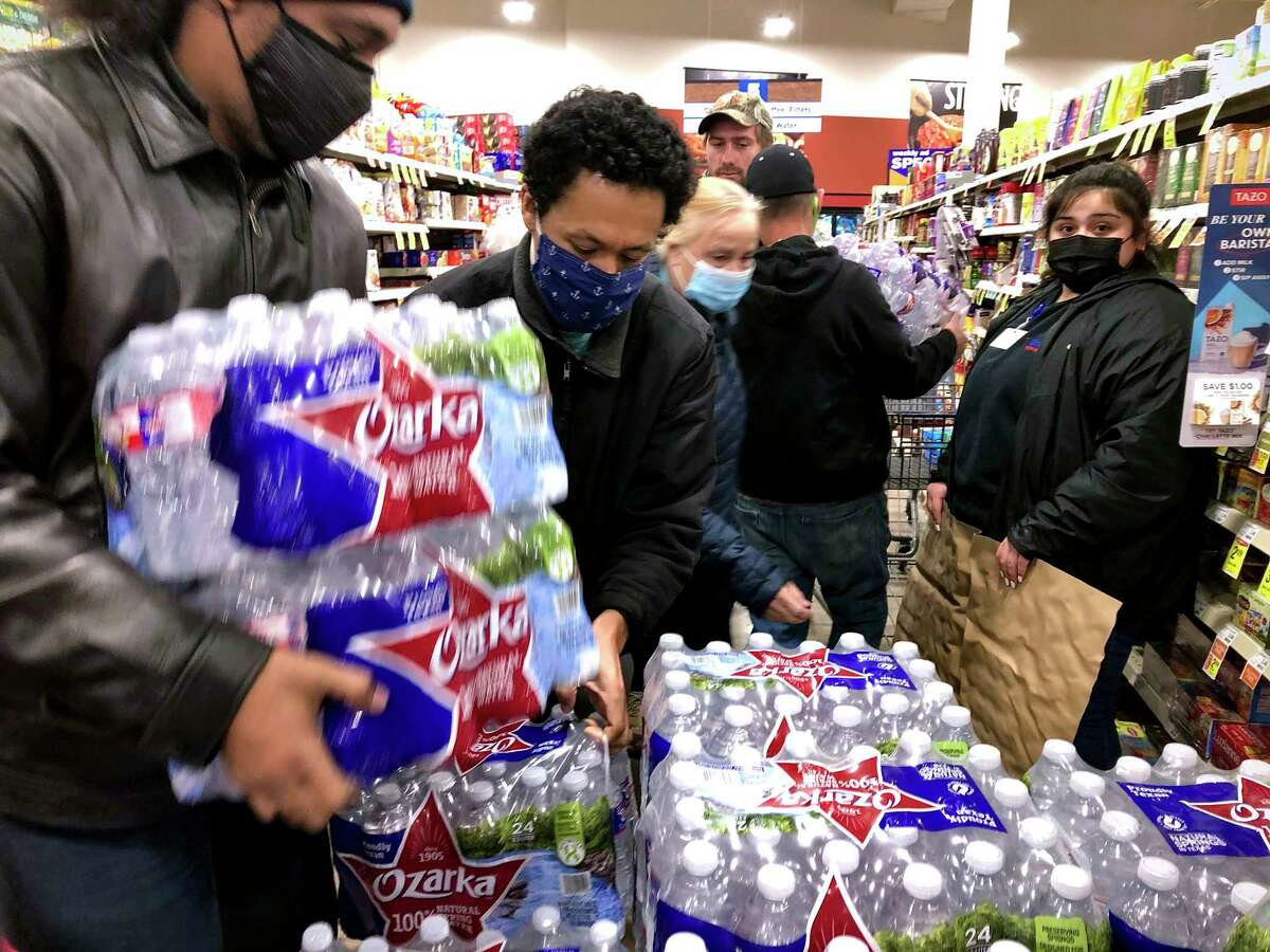 Houstonians unable to find bottled water at the store can try various distribution sites around town.