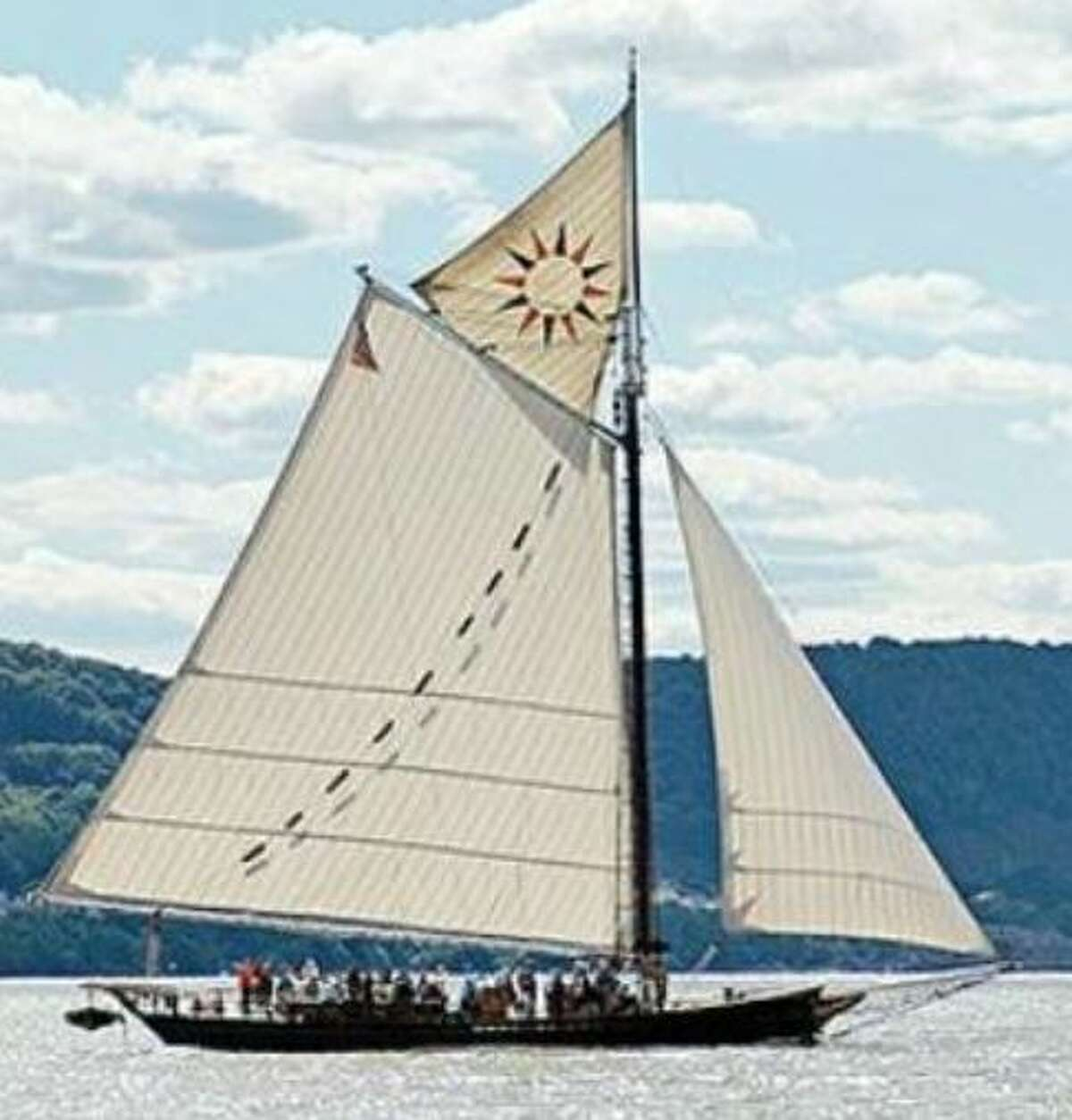 The Clearwater sloop's first Captain, Allan Aunapu, has died at 79.