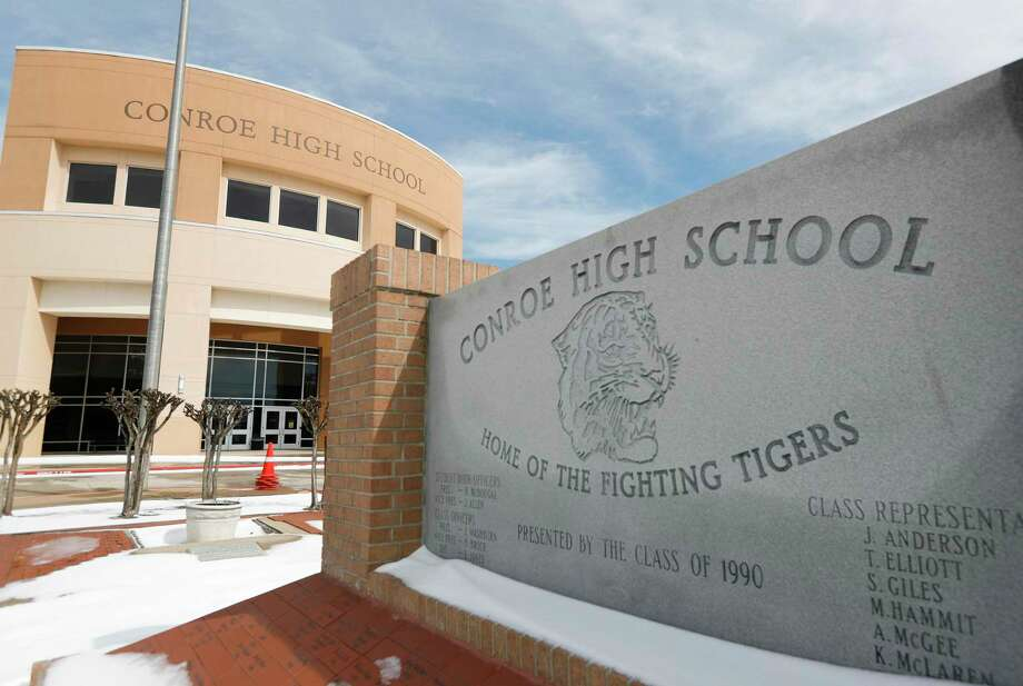 Conroe High School is seen, Tuesday, Feb. 16, 2021, in Conroe. The district announced Tuesday campuses would continue to be closed through Wednesday. Photo: Jason Fochtman, Houston Chronicle / Staff Photographer / 2021 © Houston Chronicle