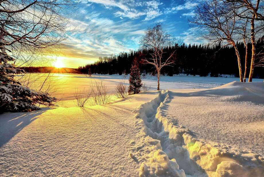 With snow-covered roads and below zero temperatures in the forecast, the Michigan State Police (MSP) is encouraging state residents and visitors to be extra cautious when going outdoors.(Courtesy Photo/Pixabay)
