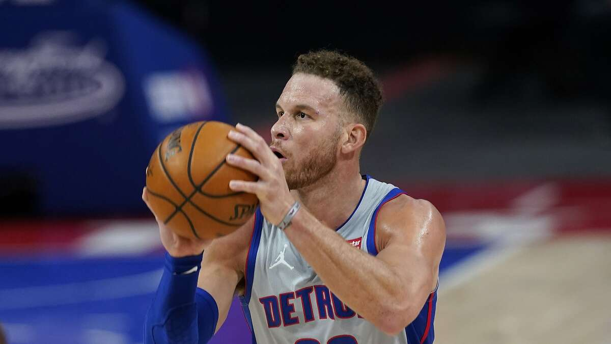 Blake Griffin can't ball like he used to, and the financials wouldn't work well in Golden State, but reports say the Warriors are interested in trading for the nearly 32-year-old former Clippers star.