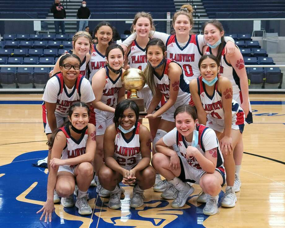 The Plainview Girls basketball team captured a 73-57 win over El Paso Hanks in the area round of the Class 5A girls basketball playoffs on Tuesday at Fort Stockton. Photo: Carmen Ortega/Plainview Herald