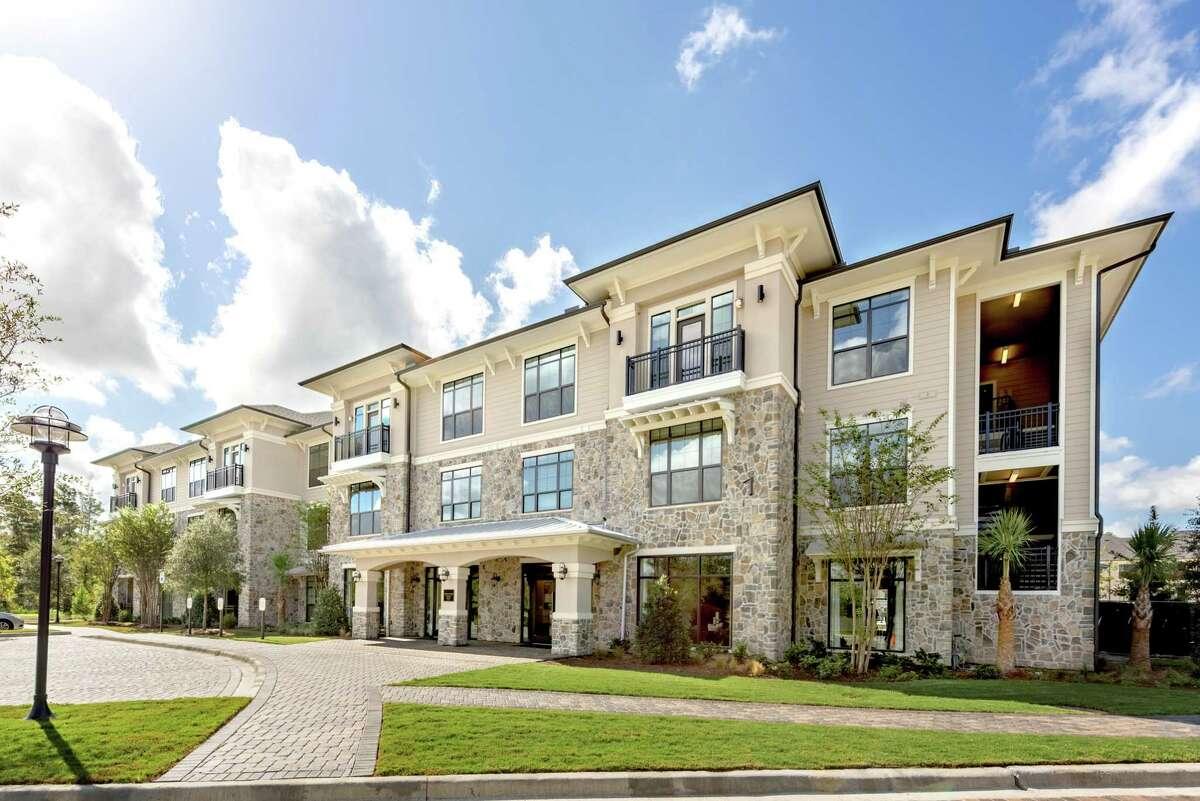 MLG Capital acquired the Heights at Harper's Preserve, a 328-unit apartment community at 17116 Harpers Trace in Conroe